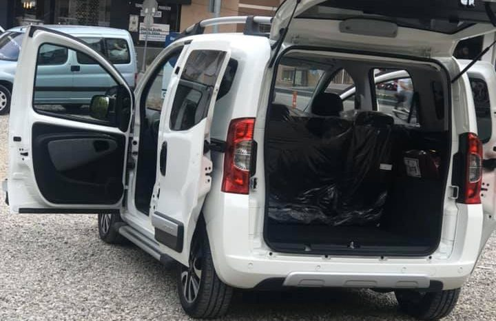 Fiat Fiorino 9000 Km'de dolu